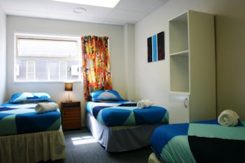 Shared Dormitory, 6 Bed, Shared Bathroom (Mixed)
