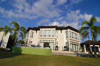 Kamana Sanctuary Resort And Spa Zambales Exterior