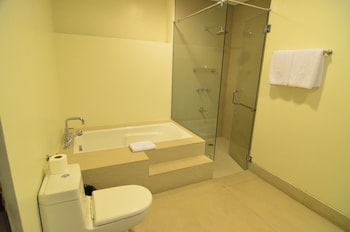 Kamana Sanctuary Resort And Spa Zambales Bathroom