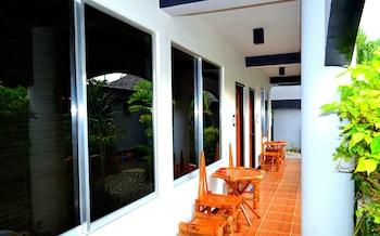 Micky Santoro Hotel & Restaurant Cebu Interior Entrance