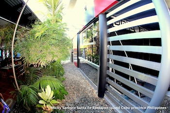 Micky Santoro Hotel & Restaurant Cebu Property Entrance