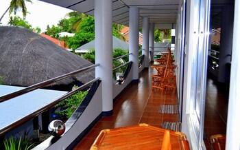 Micky Santoro Hotel & Restaurant Cebu Balcony
