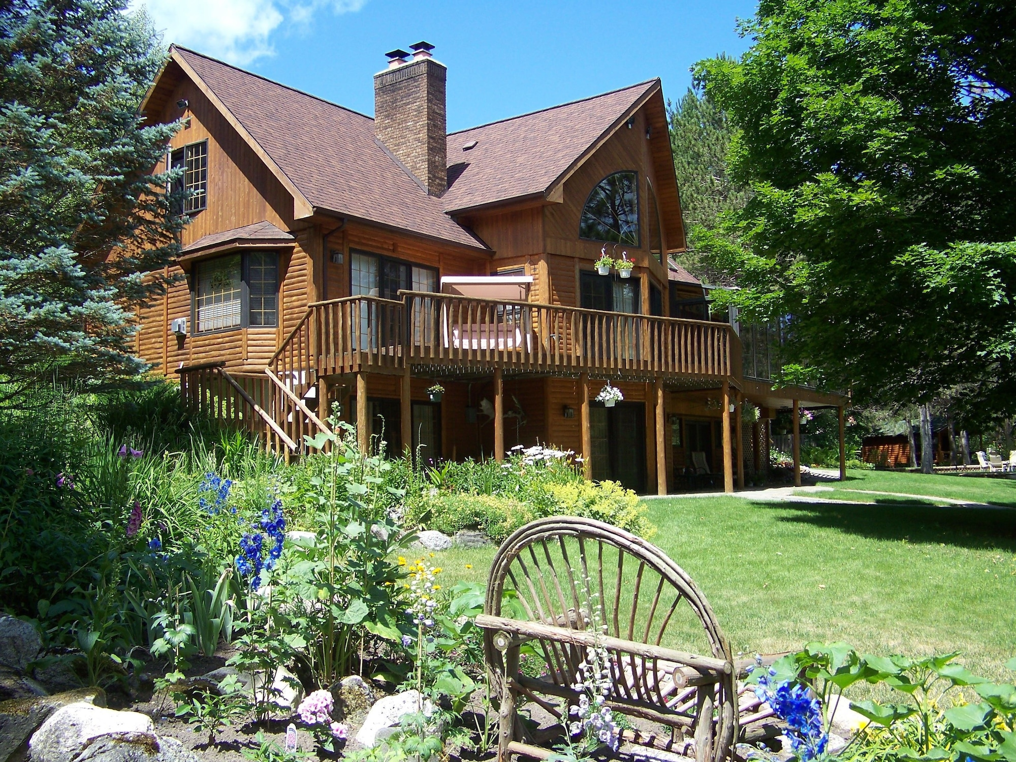 Horton Creek Inn Bed and Breakfast, Charlevoix