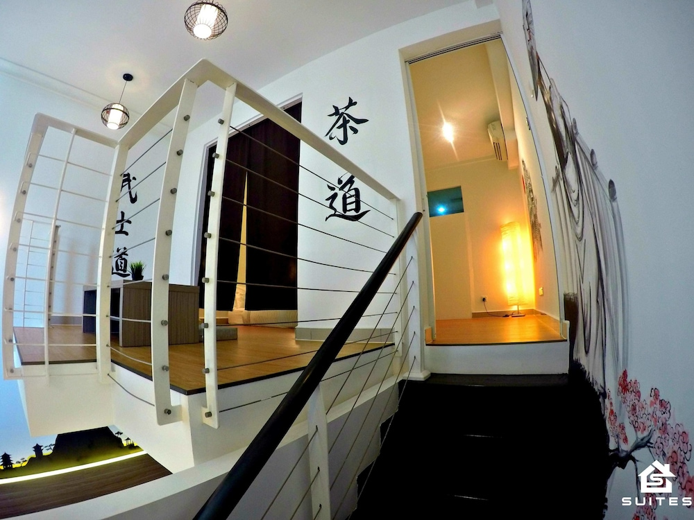 Suite : Modern Japanese Duplex Suite 10 of 78