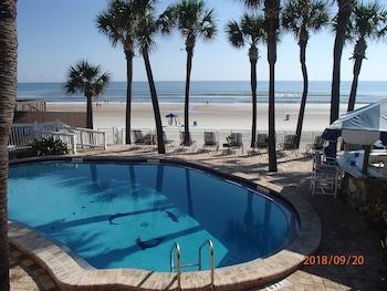 Flamingo Inn Beachfront