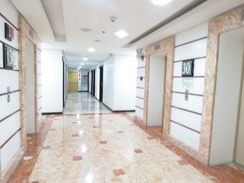 Bayview Designers Suites Manila Hotel Interior