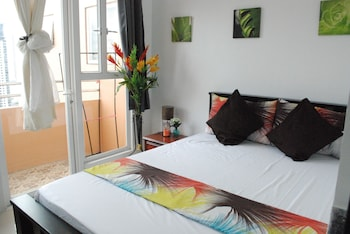 Bayview Designers Suites Manila Guestroom