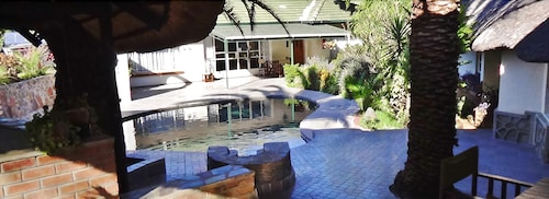 Parrot Lodge, Bulawayo