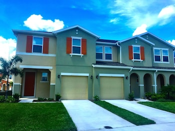 Hotel - Townhomes by Florida Finesse Management