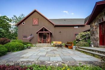Saint Huberts Lodge photo