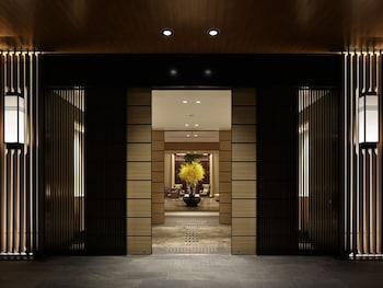 KOBE MINATO ONSEN REN Interior Entrance