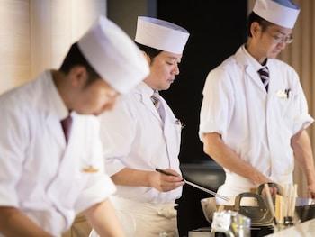 KOBE MINATO ONSEN REN Dining