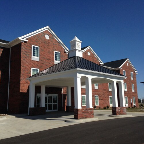 . Appomattox Inn and Suites
