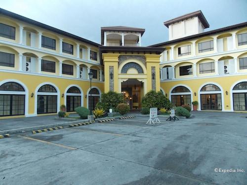 . Planta Centro Bacolod Hotel & Residences