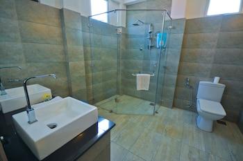 Monsoon Suites - Bathroom  - #0