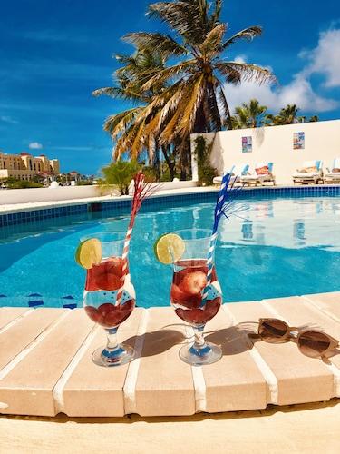 __{offers.Best_flights}__ Karibu Aruba Boutique Hotel