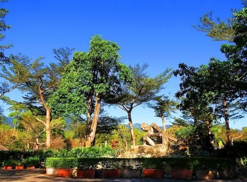 ATUNAS HOLIDAY COUNTRY, Chiayi County