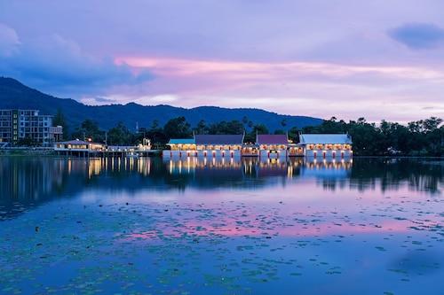 . Chabana Resort