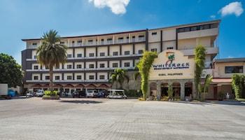 WHITEROCK BEACH HOTEL + WATERPARK