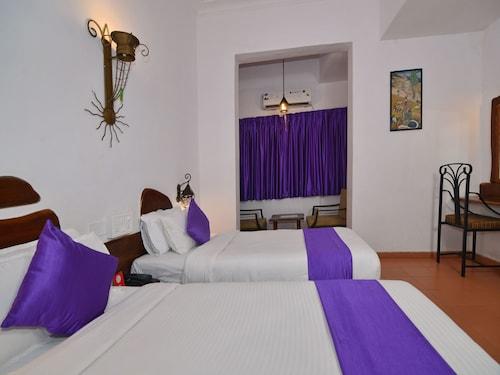 OYO 2195 Hotel Maharaja, South Goa