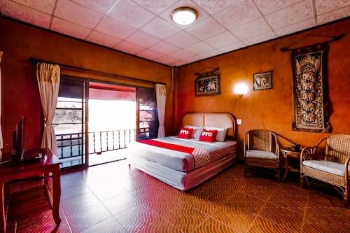 . OYO 490 Chiangsan Golden Land Resort2