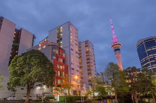 . Ramada Suites Auckland, Federal Street