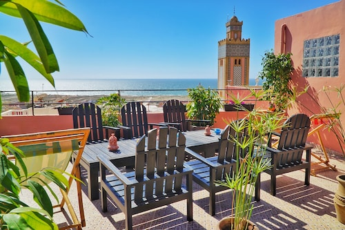 The Surf Hotel, Agadir-Ida ou Tanane