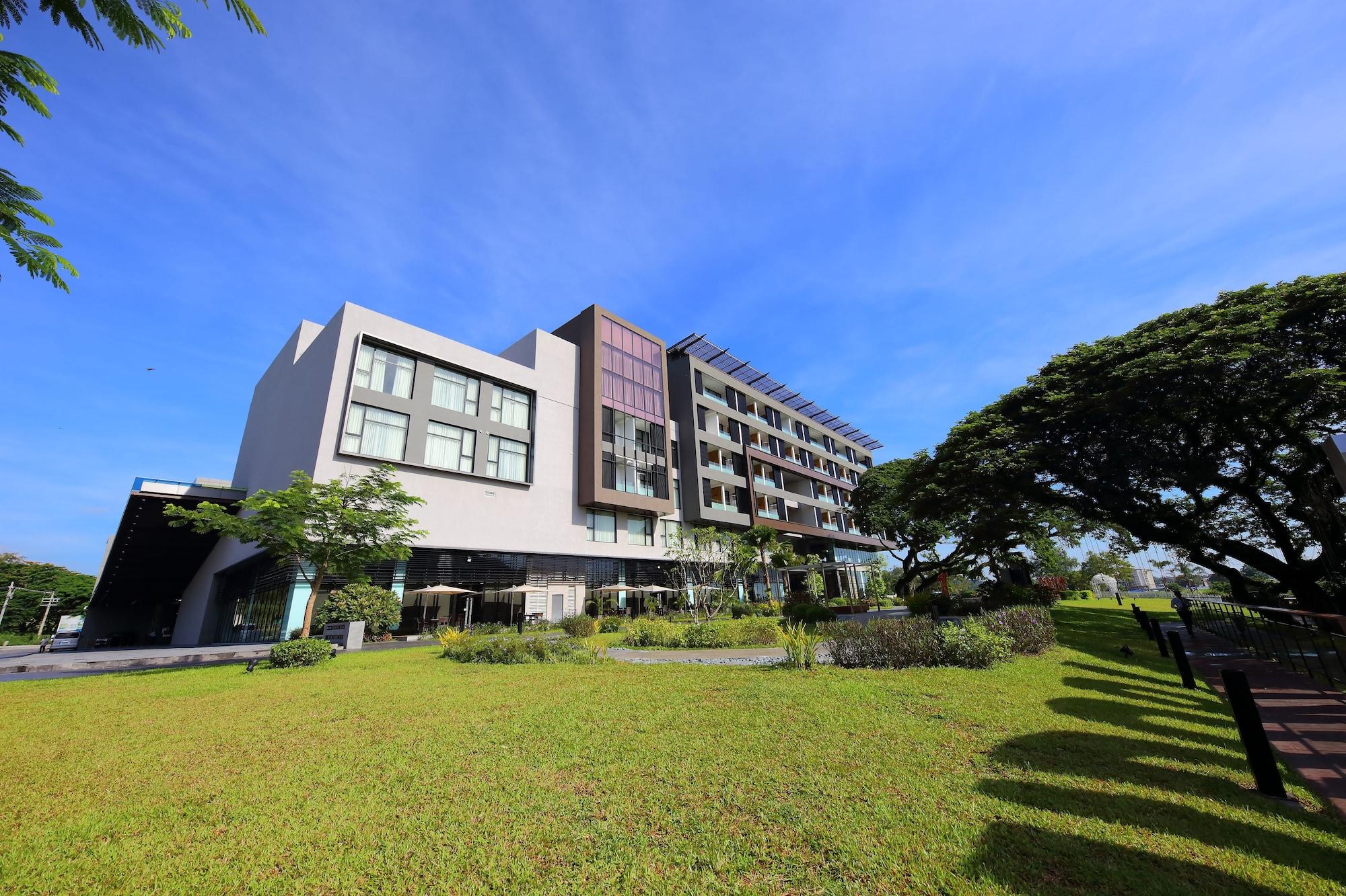 Midori Clark Hotel and Casino, Mabalacat
