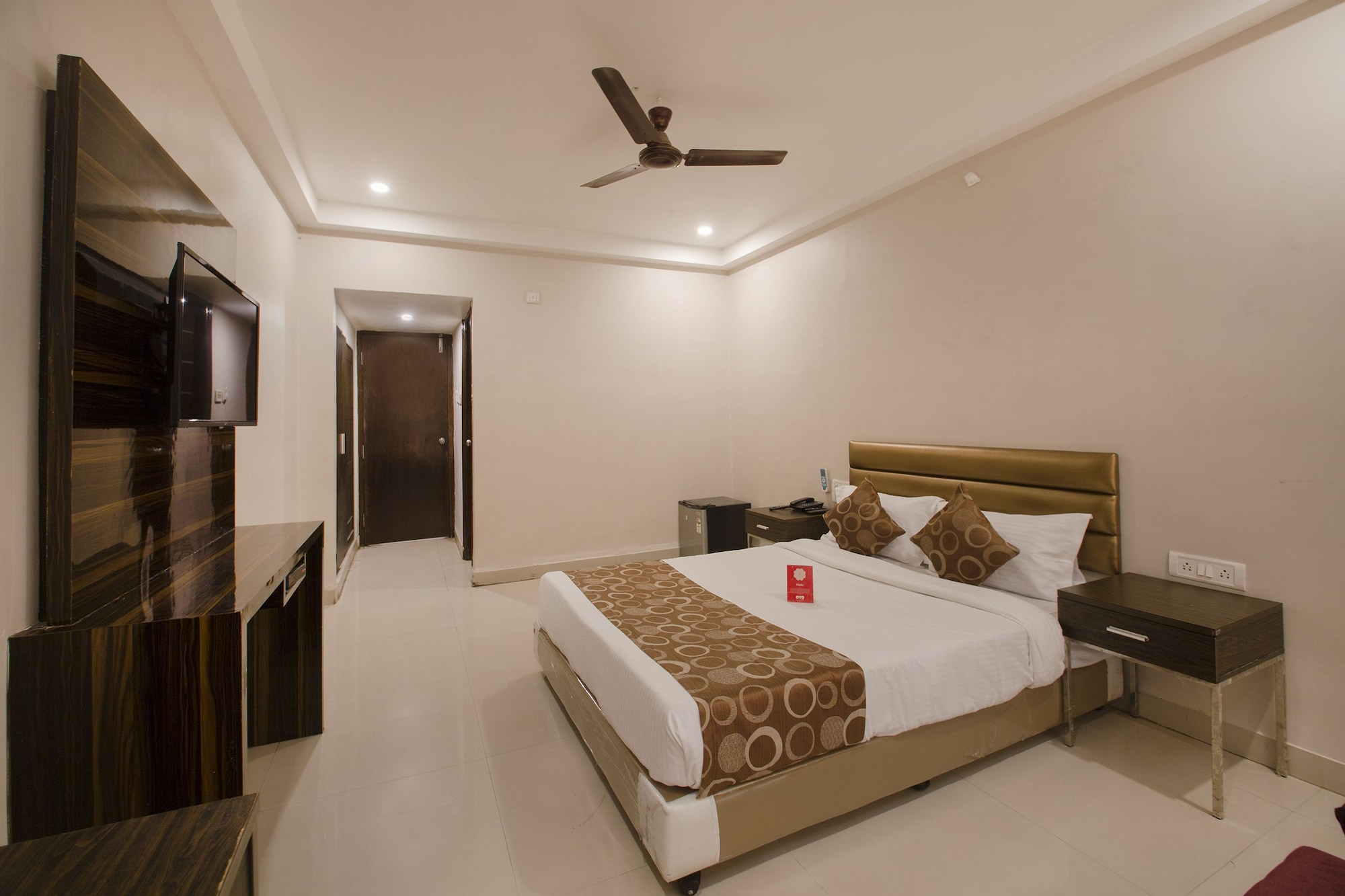 OYO 600 Hotel Skyhy, Hyderabad