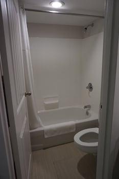 The Smart Stay Inn - Bathroom  - #0