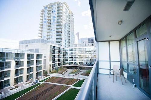 Executive Suites by Roseman - Riverfront, Division No. 6