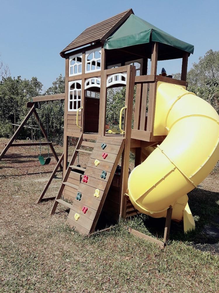 兒童遊樂區 - 室外