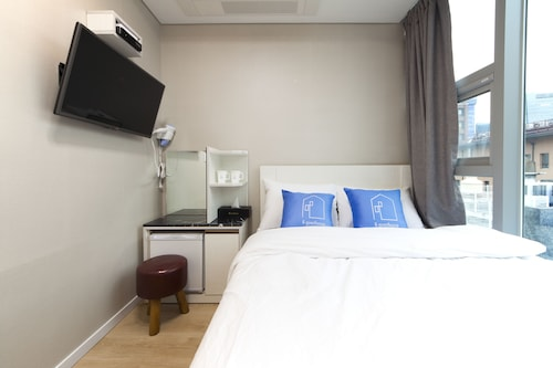 Stay 7 - Hostel (formerly K-Guesthouse Myeongdong 3), Jung