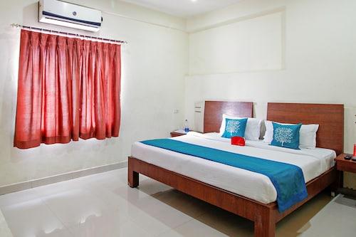 OYO 1520 Hotel Tourist Plaza, Hyderabad