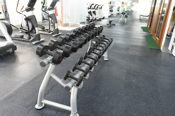 ALICIA TOWER RESIDENCES - ADULT ONLY - HOSTEL Gym
