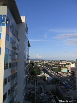ALICIA TOWER RESIDENCES - ADULT ONLY - HOSTEL View from Property