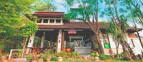 . Tak Andaman Resort & Hotel