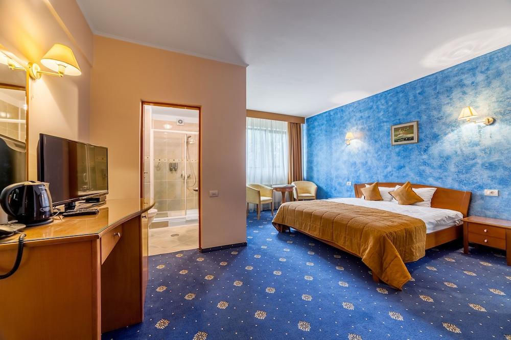 Expocenter Hotel