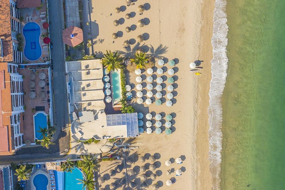 Suites at Sapphire Ocean Club