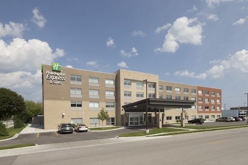 . Holiday Inn Express & Suites Alpena - Downtown, an IHG Hotel