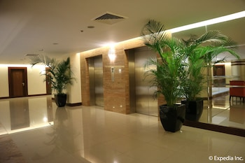 HOTEL MONTICELLO Interior