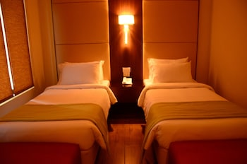 HOTEL MONTICELLO Room