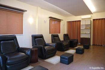 HOTEL MONTICELLO Nail Salon