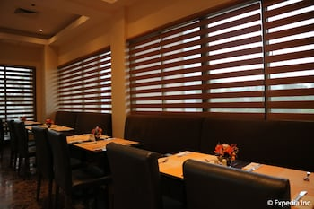 HOTEL MONTICELLO Restaurant