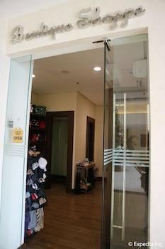 HOTEL MONTICELLO Hotel Entrance