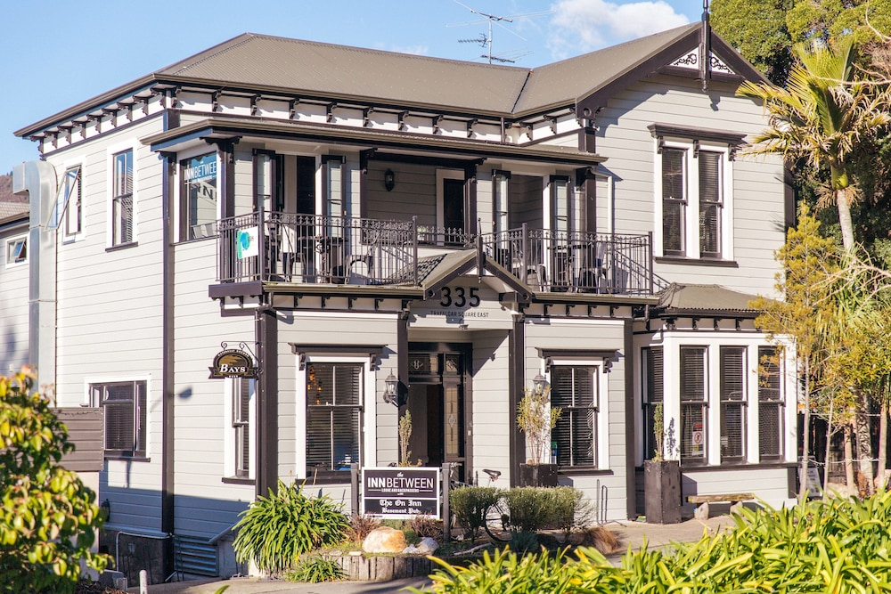 The Innbetween Lodge and Backpackers