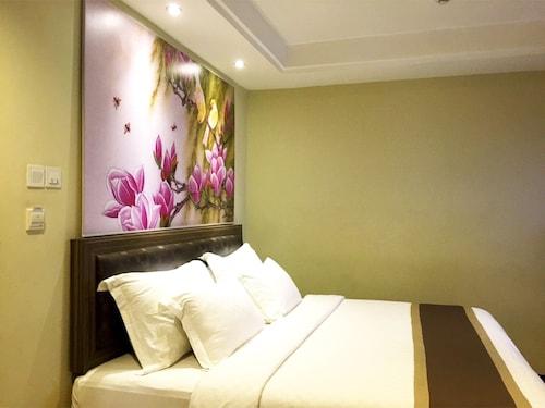 Travellers Hotel Phinisi, Makassar