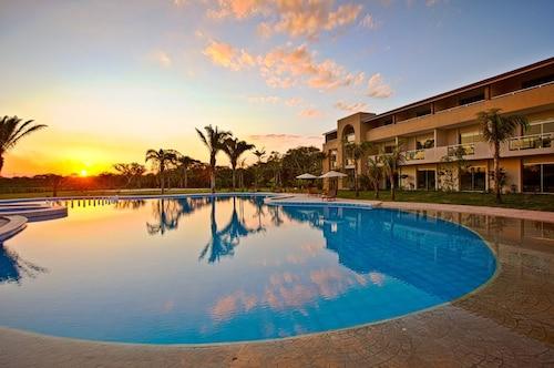 . Sun Hotel