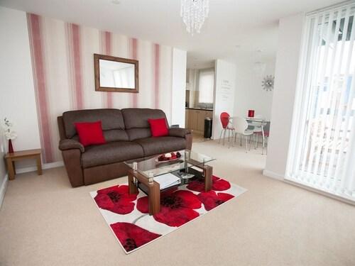 . Hamilton Grace Apartments - Wessex Court