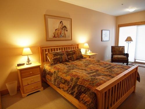 . Mountain Town Properties Cascade Lodge 2E